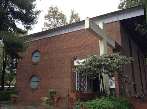 Rubavano in chiesa le offerte dei fedeli, nei guai tre minorenni livornesi